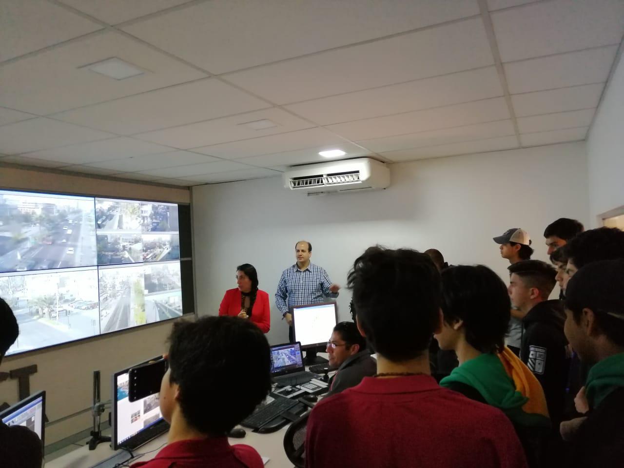 Estudiantes de Colegio San Luis visitan la UOCT